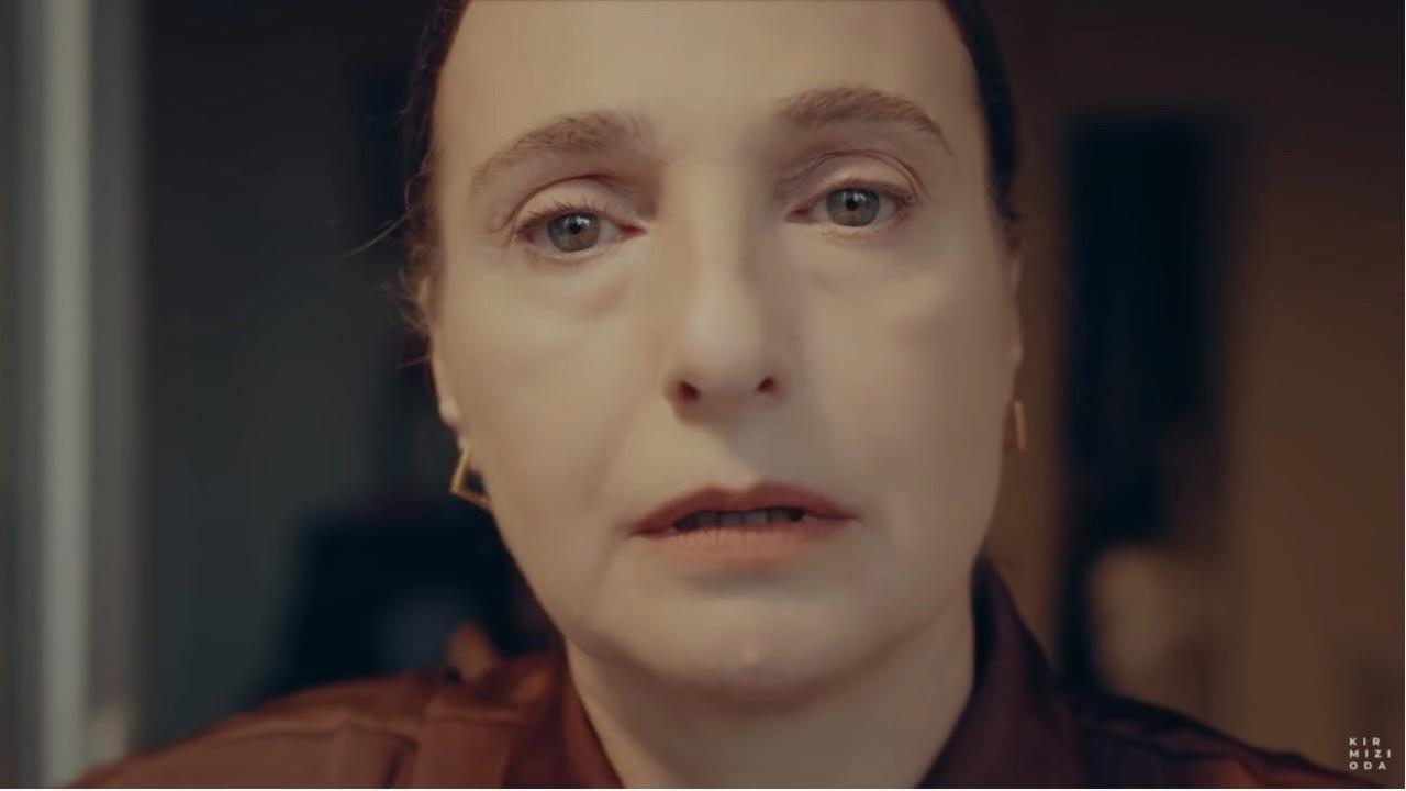 Kırmızı Oda Rezzan'ın annesi kimdir?