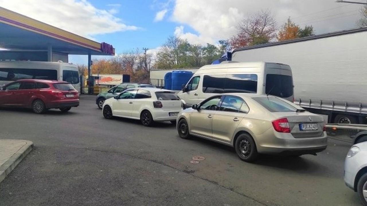 Almanlar ucuz benzin için komşu ülkelere gidiyor
