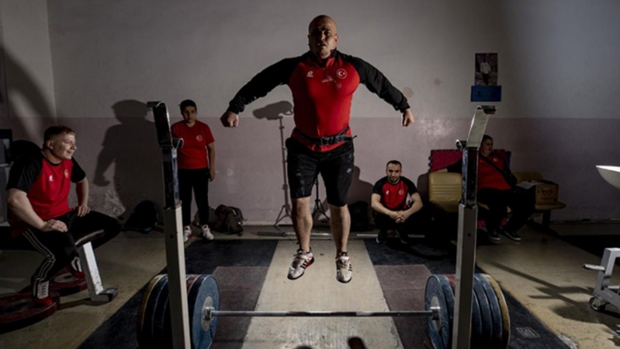Görme engelli halterciler 10 madalya kazandı