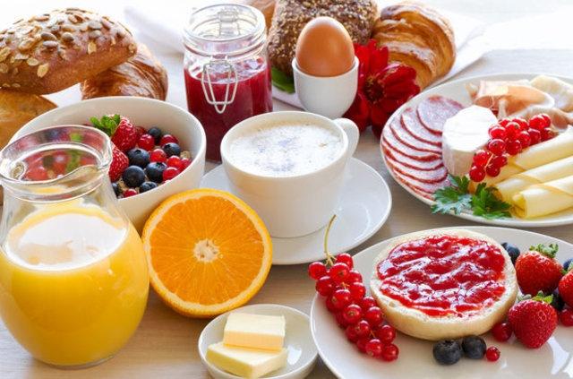 En çok tüketilen en sağlıksız yiyecekler