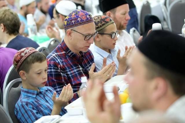 Tataristan'da 20 bin kişilik iftar