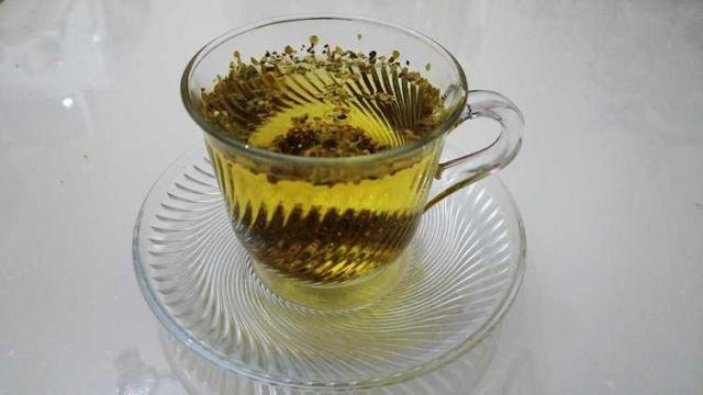 Kekik çayının faydaları  Kekik genellikle mutfaklarda yemeklere lezzet vermesi amacı ile kullanılır. Ancak biz bugün sizlere kekik çayının faydalarından bahsedeceğiz.