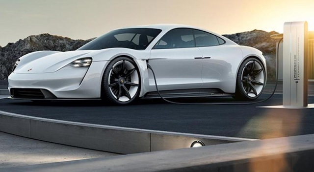 İşte Porsche'nin 'TAYCAN'ı