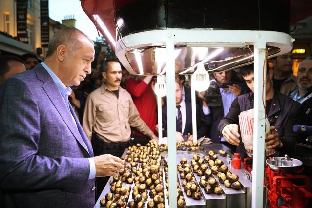 Cumhurbaşkanı Erdoğan İstiklal Caddesi'nde nostalji yaptı - Sayfa 3