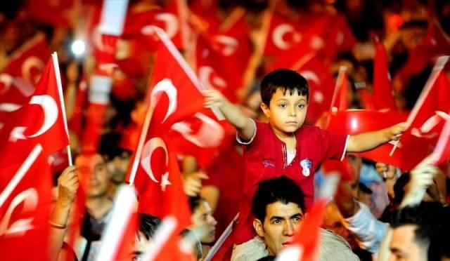 Türkiye genelinden demokrasi nöbetleri