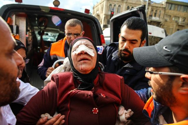 Kudüs ve Batı Şeria#039;da Cuma namazı sonrası gösteriler devam ederken, Ramallah#039;ta Filistinli bir protestocunun İsrail askerleri tarafından vurulması canlı yayında kameralara yansıdı.