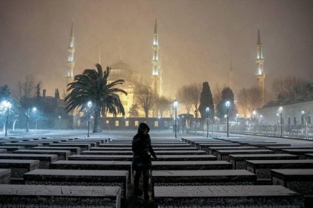 İstanbul'da kartpostallık kar manzaraları