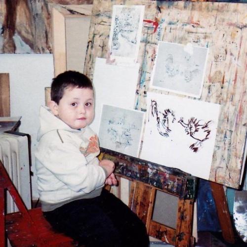 2 yaşında resme başlayan ressamın eserleri