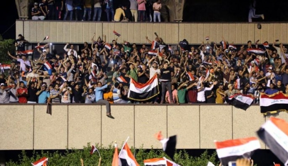 Bağdat karıştı, şehre girişler yasaklandı