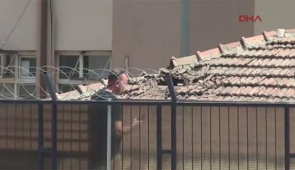 Diyarbakır'da askeri binaya bombalı saldırı