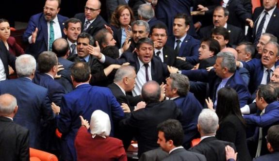HDP'li vekilin konuşması kavga çıkardı