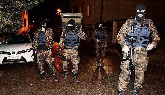 İstanbul'da yol kesen teröristlere operasyon