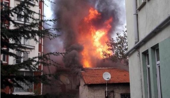 Kütahya'da önce patlama ardından yangın