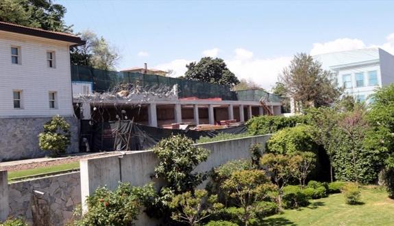 Rıza Sarraf mahkemeye çıkacağı gün villası yıkılıyor