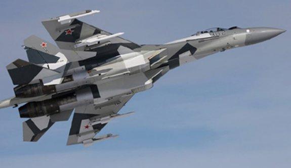 Rus uçakları İsrail uçaklarına ateş açtı