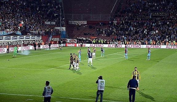 Trabzon'da hakeme saldırı, maç durdu