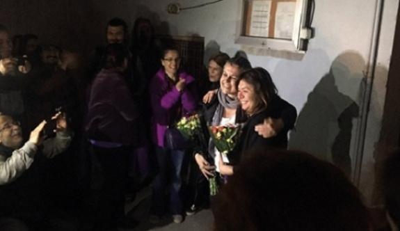 Tutuklu akademisyenler tahliye edildi