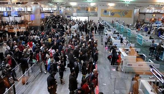Atatürk Havalimanı'nda sistem kilitlendi