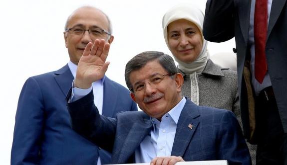 Davutoğlu'dan Konya'da kısa açıklama