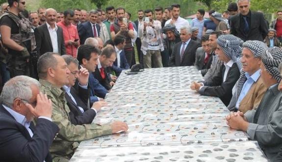 Devlet erkanından Jirki aşiretine ziyaret