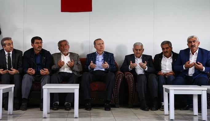 Devletin zirvesi PKK mağduru köyde