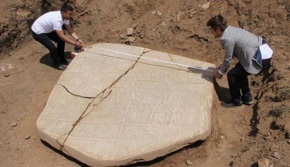 Elazığ'da binlerce yıllık tarihi rölyef bulundu