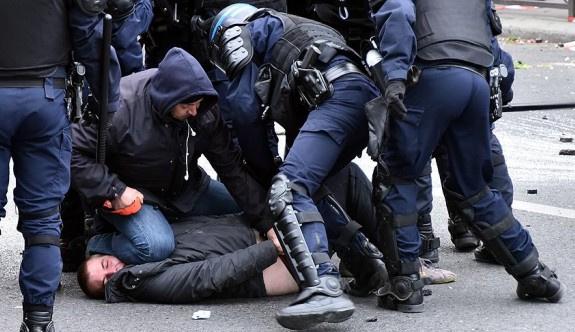 Fransa'da grev krizi ger geçen gün büyüyor