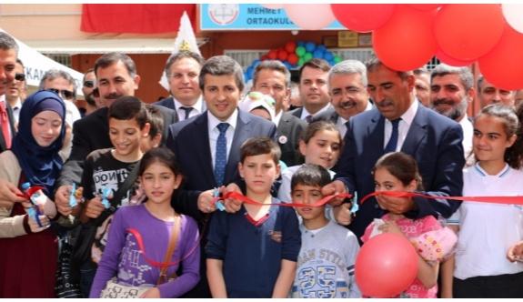 """Gaziantep'te """"Kardeşlik Çarşısı"""" kuruldu"""