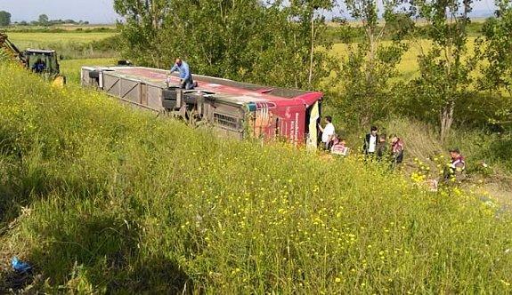 Çanakkale ziyaretinde otobüs devrildi: Ölüler var