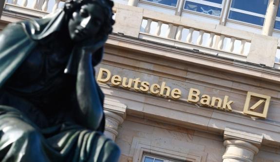 İngiliz basını: Alman Deutsche Bank 'terör finansörü'