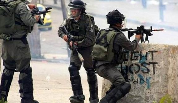 İsrail Filistinli milletvekilini evinden alarak alıkoydu
