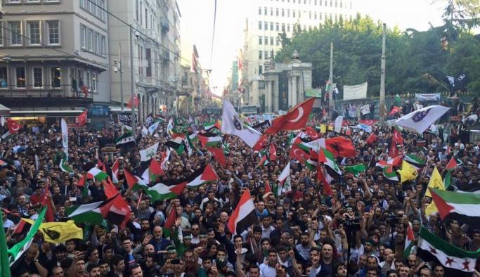 Onbinler 'Kudüs'e Özgürlük' için yürüdü