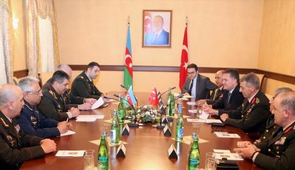 Jandarma Genel Komutanı Mendi Azerbaycan'da