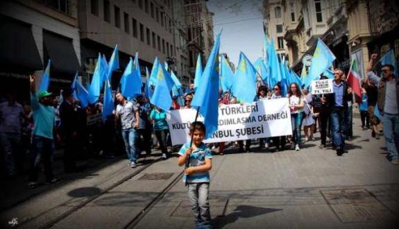 Kırım Tatarları'nın acıları 72 yıl sonra tazelendi