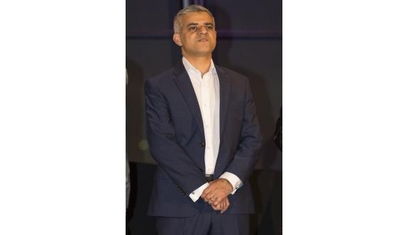 Londra Müslüman belediye başkanına emanet