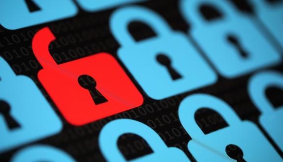 Maillerimizin şifresi 'hacker pazarı'nda 250 lira