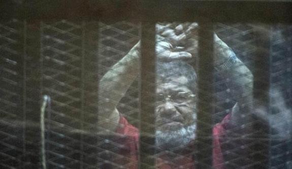 Mısır'da üç gazeteciye idam kararı