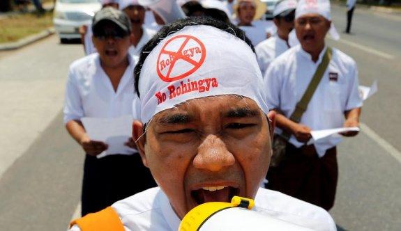 Myanmar'da Müslümanları endişelendiren yürüyüş