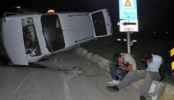 Öğrenci servisiyle otomobil çarpıştı: 1 ölü, 14 yaralı