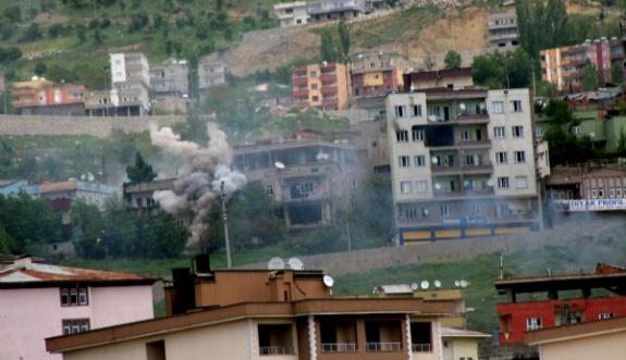 Şırnak'ta patlayıcı tuzaklanan evler imha ediliyor