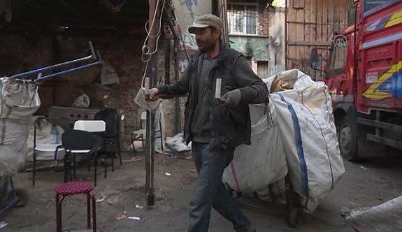 Suriyeli kağıt toplayıcısına teklif yağmaya başladı