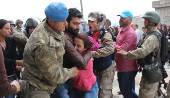 Suriyelilere karşı çıkan HDP'lilere müdahale