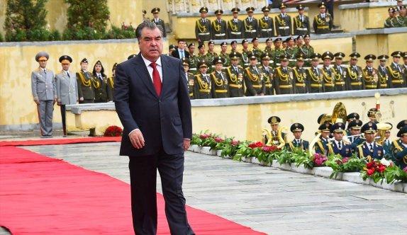Tacikistan'da 9 Mayıs Zafer Bayramı kutlamaları