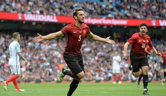 Türkiye, İngiltere'ye 2-1 yenildi