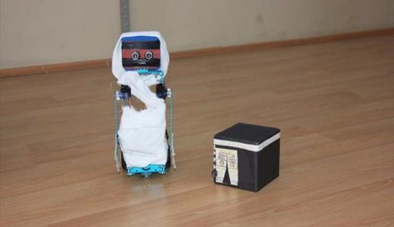 Vakfe'ye duran robot