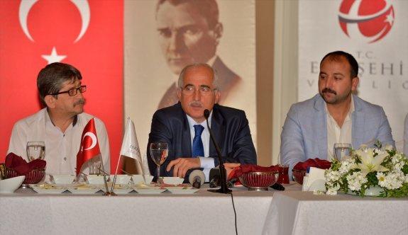 Vali Tuna, Eskişehirspor'un taraftar temsilcileriyle buluştu