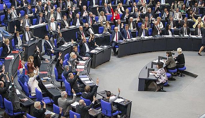 Alman meclisi Ermeni tasarısını kabul etti