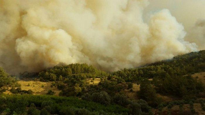 Antalya'da yangın: Olimpos tahliye ediliyor