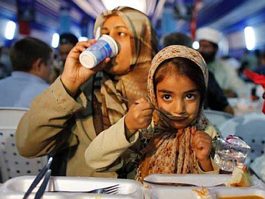 'Avrupa'daki sığınmacı kampında Ramazan