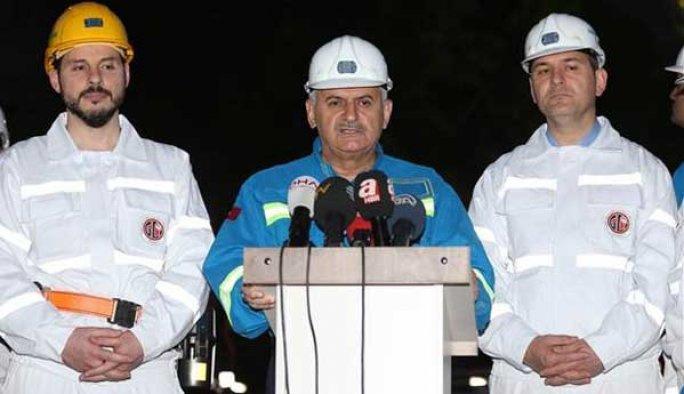 Başbakan Yıldırım'dan profesöre 'namaz' tepkisi